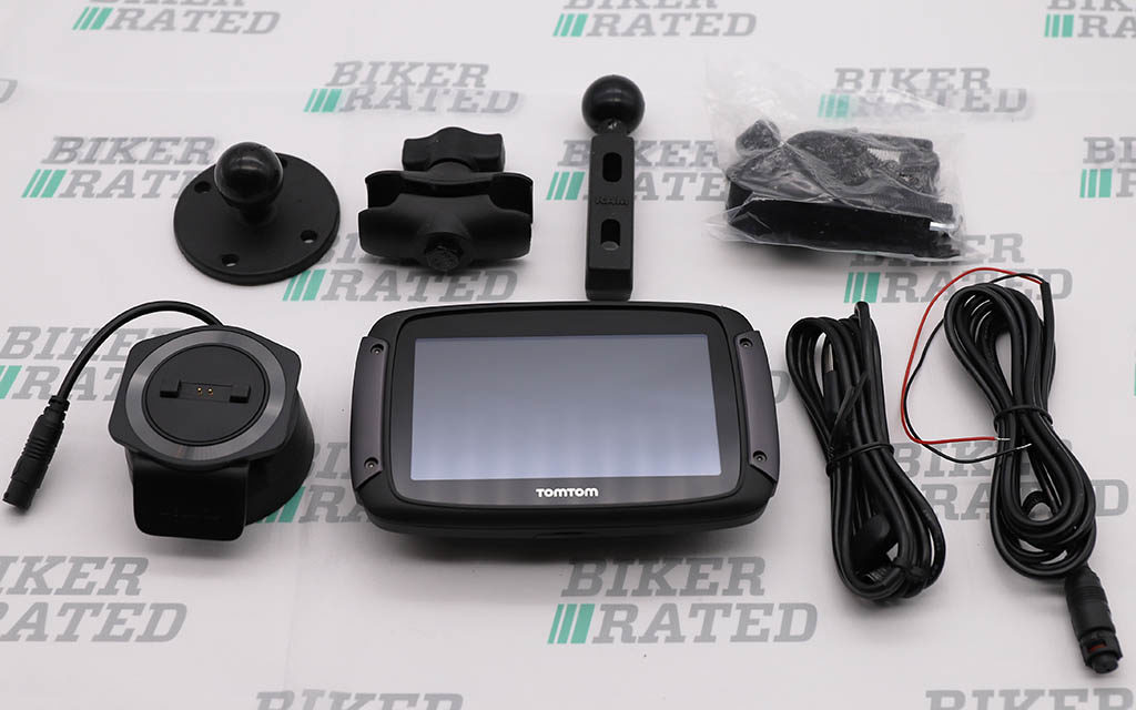 tom tom rider 500 kit review mount 1024x640 - Garmin Zumo XT vs TomTom Rider 550