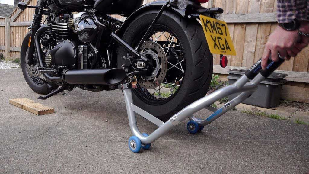 best paddock stand triumph 1024x576 - The Best Paddock Stands