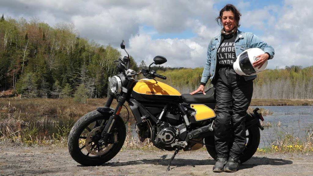 womens motorcycle boots review 1024x576 - The Best Modern Retro Motorcycles