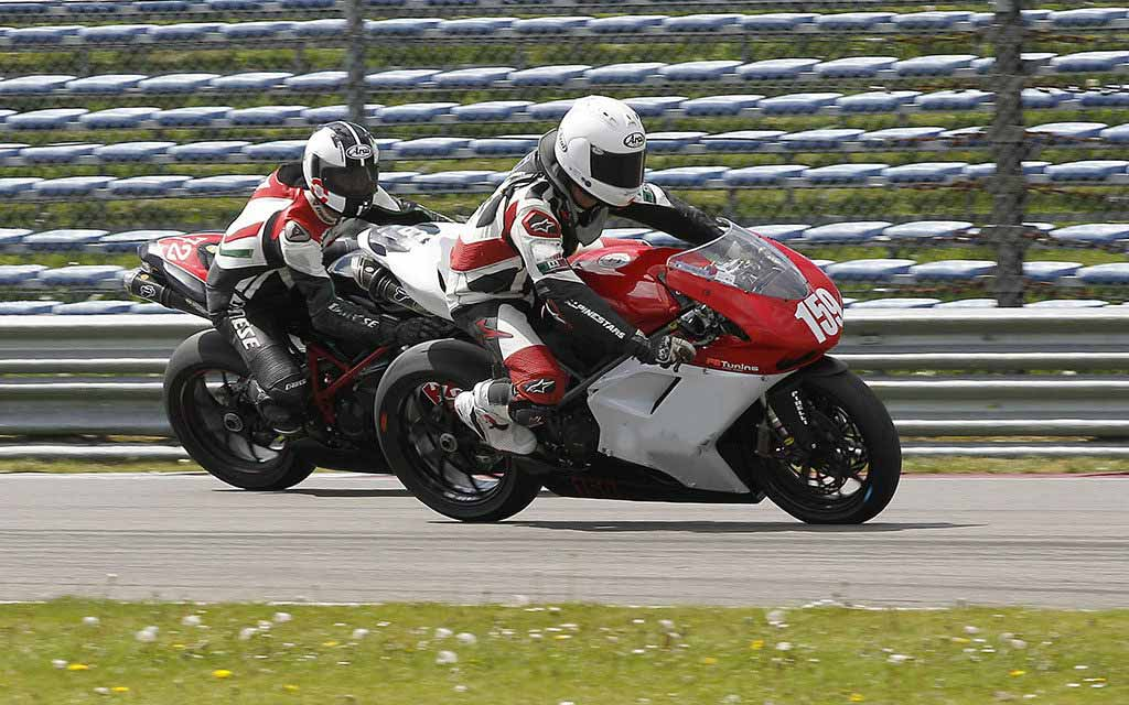 uk motorcycle trackday organisers 1024x640 - Motorcycle Trackdays in the UK