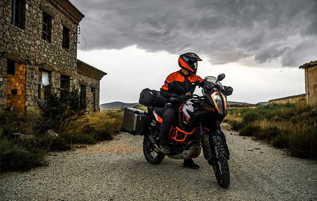 best adventure motorbike tyre guide - The Best Adventure Motorcycle Tyres