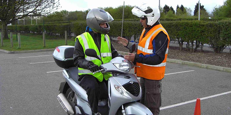cbt test clothing guide - I have a full car licence, can I ride a 125cc motorcycle?